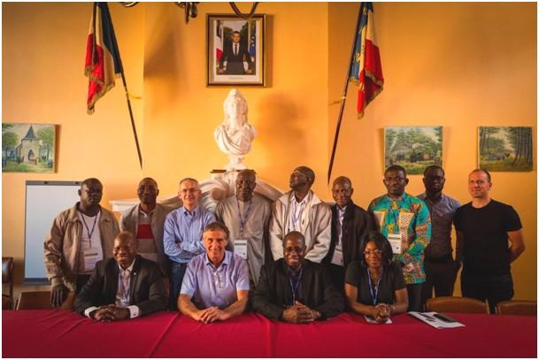 Le Porge, mercredi 13 juin, la commune accueille une délégation de cadres dirigeants et hauts fonctionnaires africains. Le Porge a toujours entretenu des relations étroites avec de nombreux résidents et représentants d'Afrique du Nord, de l'Ouest et Sud-saharienne.