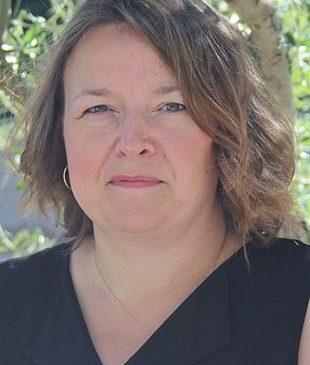 Anne Sophie ORLIANGES 2è Adjointe Déléguée aux ressources humaines, au tourisme & à la vie économique. Conseillère communautaire
