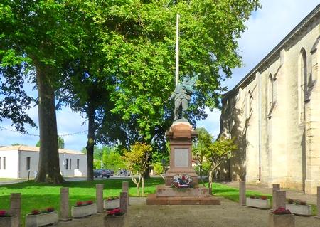 LE PORGE SITE MONUMENT AUX MORTS PLACE SAINT SEURIN